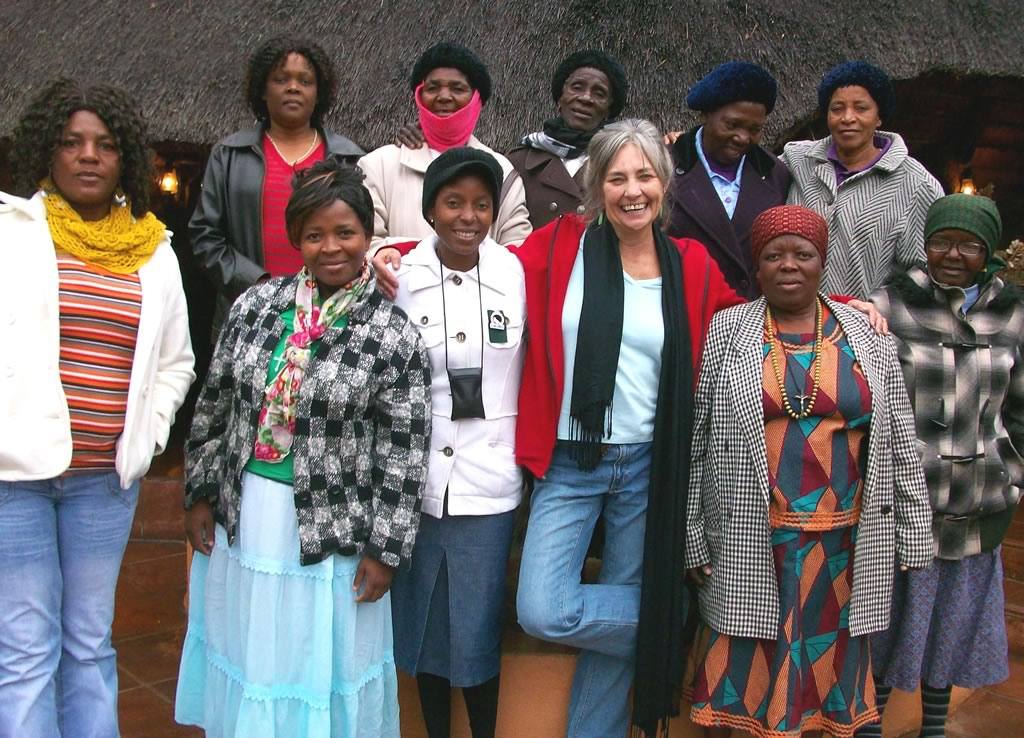 Judith B Miller and the Mapusha Weavers, South Africa | Hand Spun Hope book